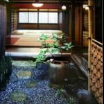 京町家の中ほどに設けられた風通小さな庭は?京都検定3級過去問!