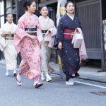 事始めに、祇園甲部の芸舞妓が芸事の師匠に届ける物は?京都検定3級過去問!